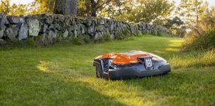 Automower-315-orange-gelaende2
